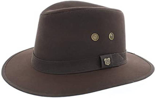 The Failsworth Wax Cotton Drifter Fedora is very similar to the hat Holly wore for This Morning