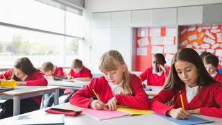 Children's Commissioner Rachel de Souza has urged the government to facilitate longer school days
