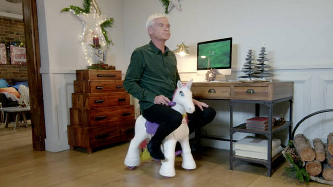 Schofe tests out the hottest toys for Christmas 2018