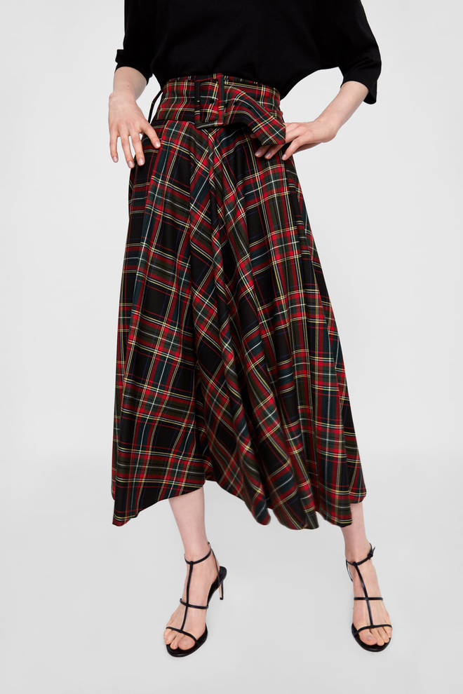 This Zara skirt comes with a chunky belt to match