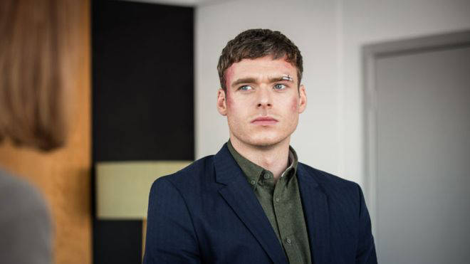 Richard Madden posted an ADORABLE throwback Instagram snap