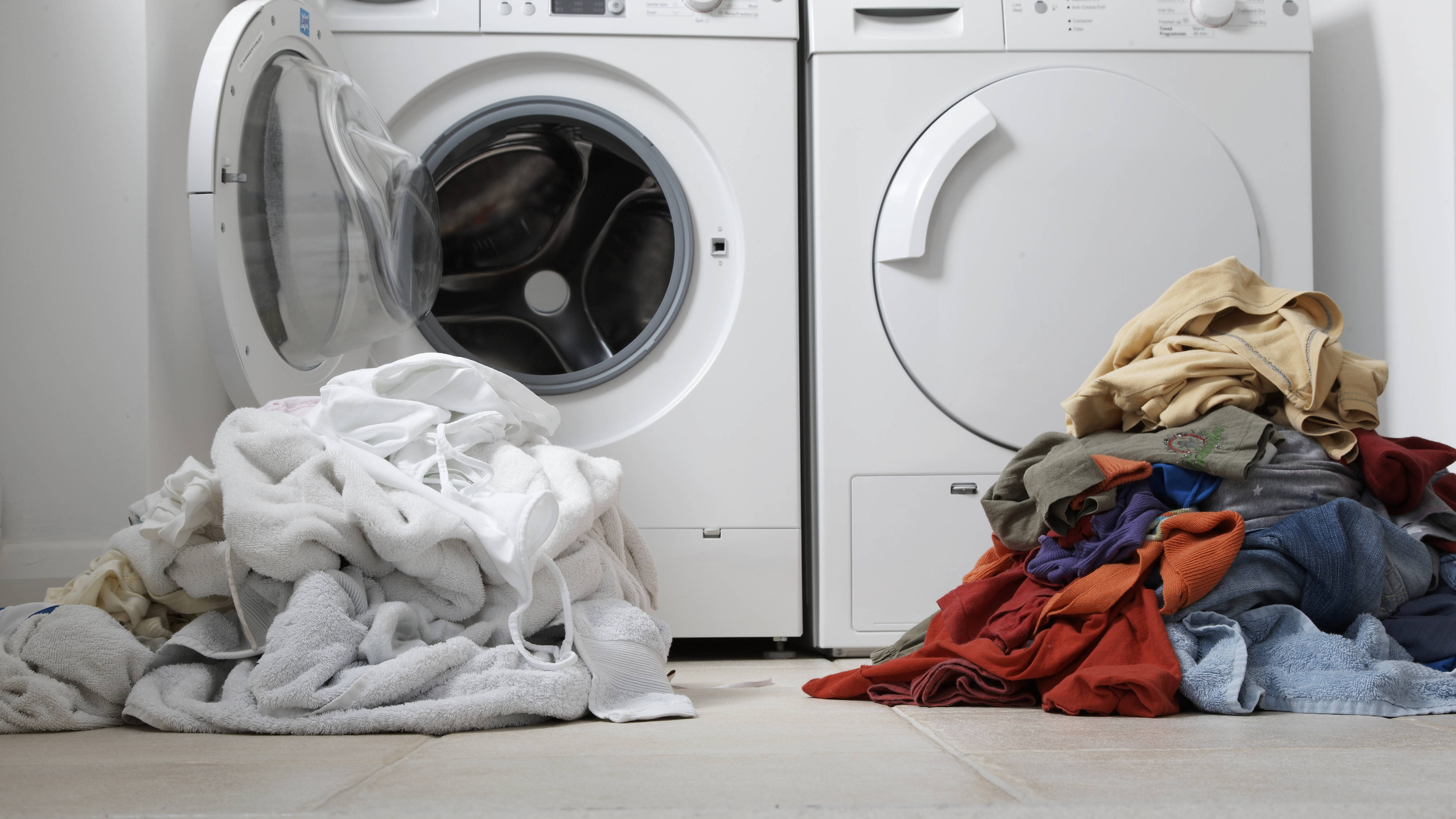 How To Make Your Clothes Smell Good In The Dryer mum reveals genius two-minute hack that stops laundry