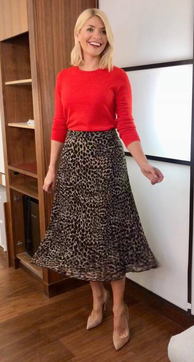 5c6b193305 Holly Willoughby skirt today  Phillip Schofield s This Morning co-star opts  for high street in Warehouse skirt for hit ITV show