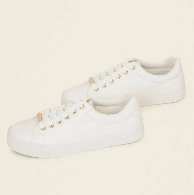 These cute trainers have a flash of gold