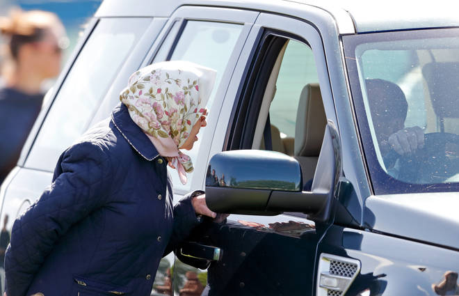 Many people are questioning whether The Queen and Prince Philip need licenses to drive