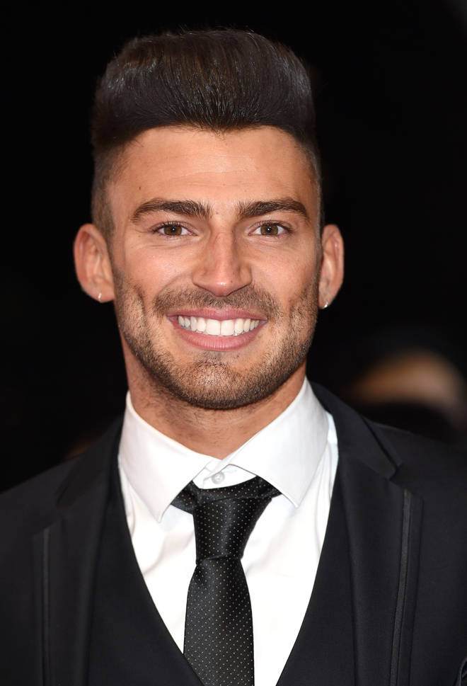 Jake Quickenden lost his front two teeth skiing