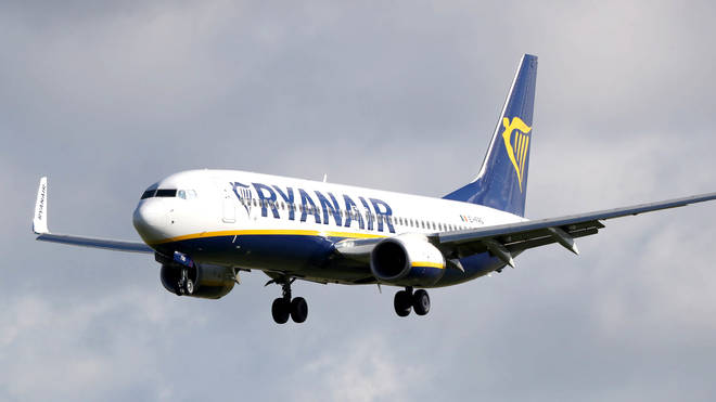 Ryanair planned to expand their fleet with a large order of Boeing 737 MAX 8 planes