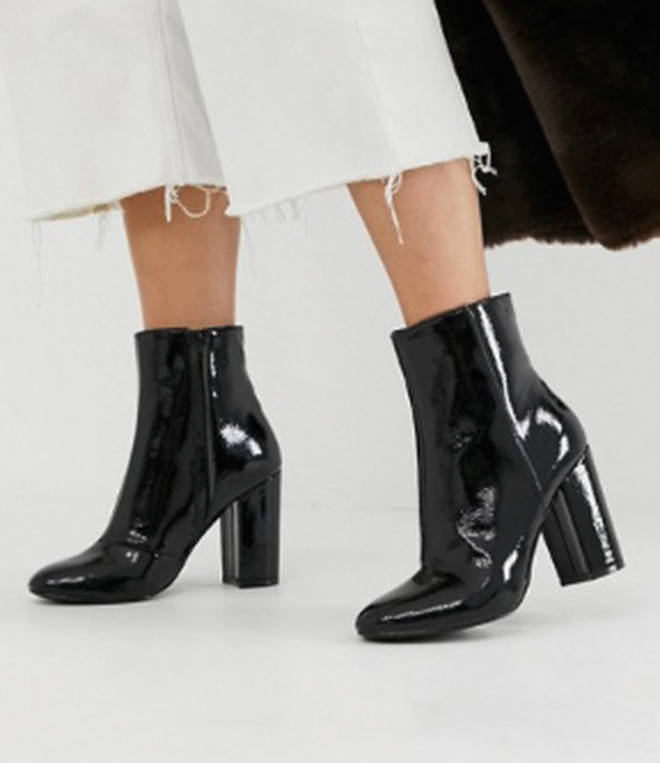 Kelly teamed the dress with boots by New Look