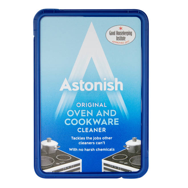 Astonish Oven and Cookware Cleaner was responsible for transforming the filthy frying pan.