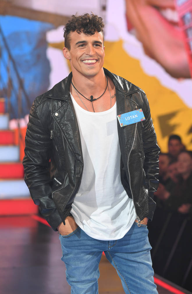 Lotan Carter entering the Big Brother house in 2017