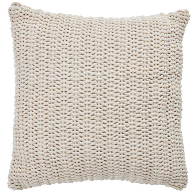 Cushions are an important detail to any bedroom and they're also super comfy to lounge around on