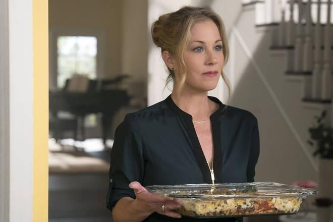 Netflix's Dead to Me stars Christina Applegate as lead character Jen.