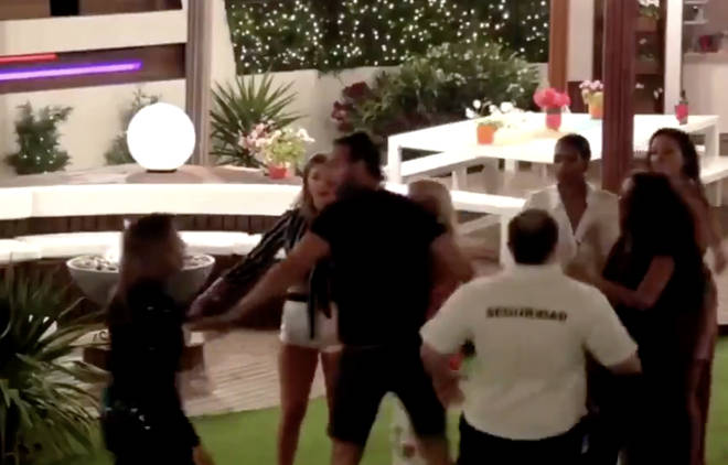The clip shows security and members of the villa getting involved, pushing Malia away from Kady