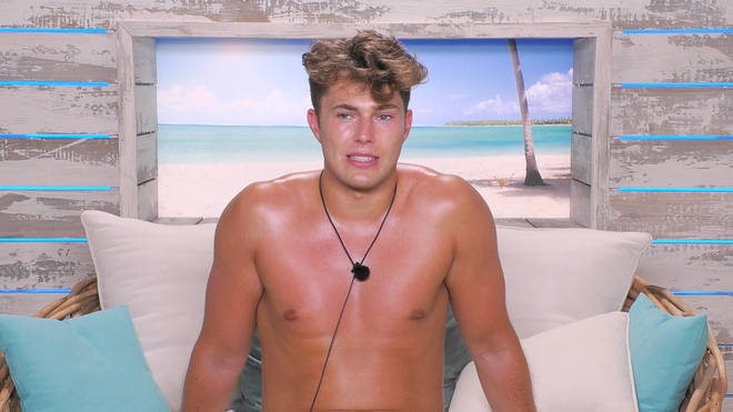 Curtis makes a confession in the Beach Hut