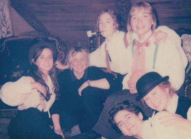 Little Women stars Emma Watson, Laura Dern, Saoirse Ronan, Meryl Streep, and Timothée Chalamet.