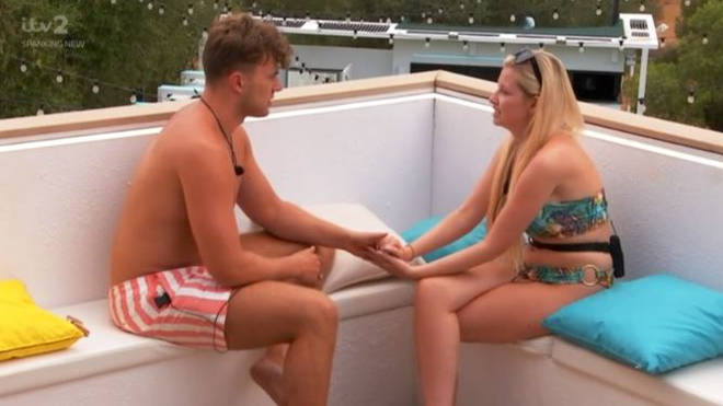 Amy revealed she was leaving to Curtis