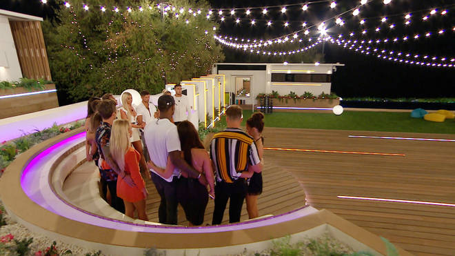 Four islanders will be dumped in tonight's episode