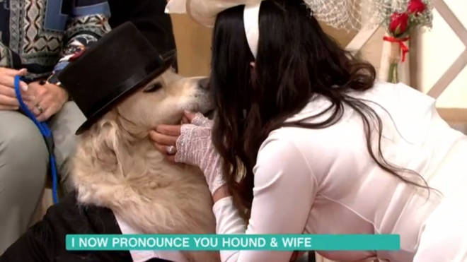 Elizabeth kissed her pooch after the ceremony