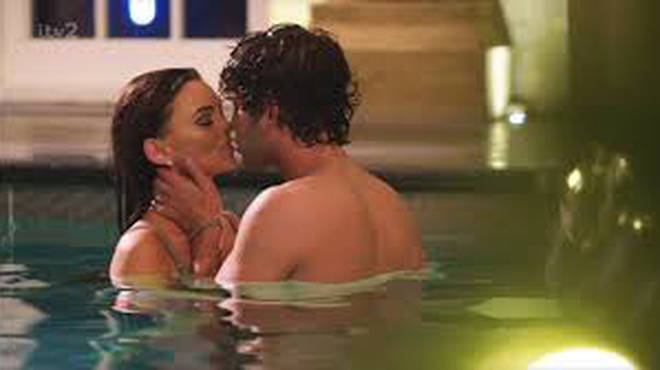 Eyal and Kendall snogged in the pool in last night's episode