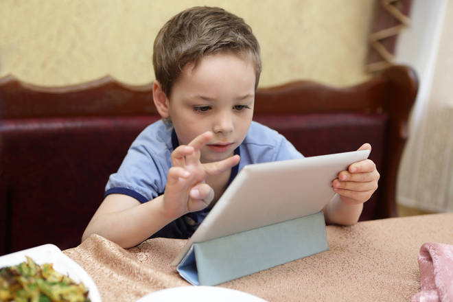 Should children be allowed their iPads at the dinner table?