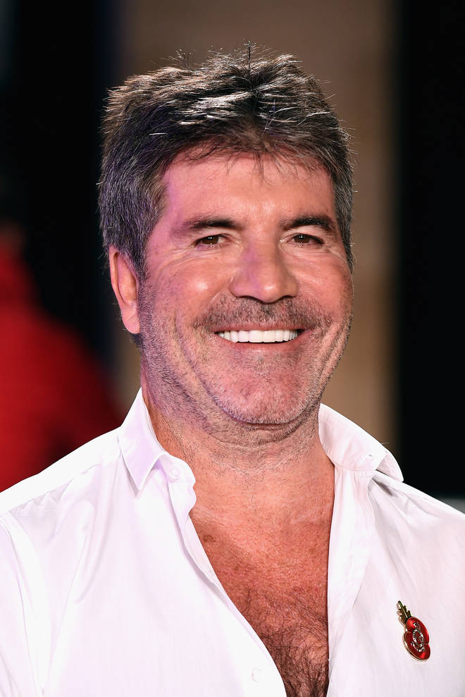 Simon's face looked a lot fuller in October 2018 and his hair had some greys