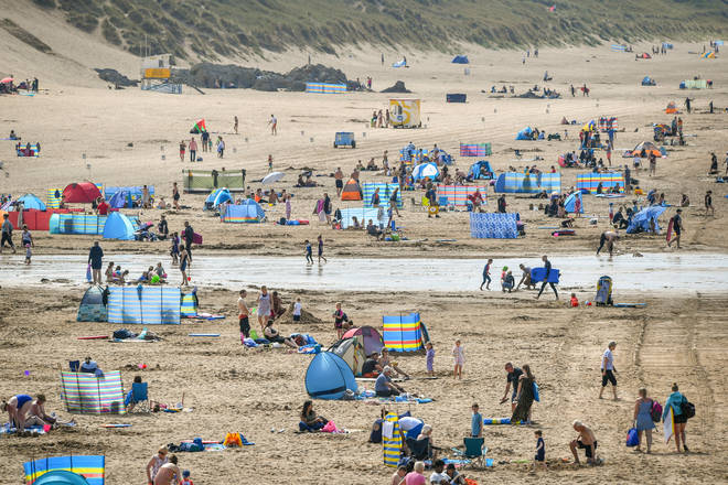 Brits will enjoy the sunshine this weekend