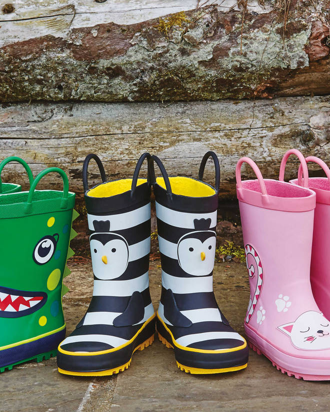 Mother Hannah asked her Facebook friends for help in finding these cute Aldi wellies.