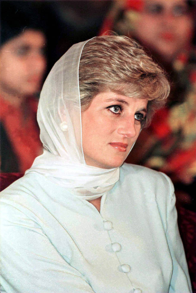 Prince William and Prince Harry's late mother also chose to honour the religious dress code when she visited the Alazhar Mosque in Egypt