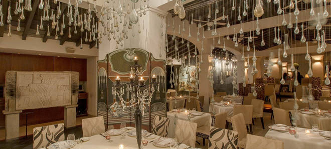 Cafe Des Artistes brings some French glamour to Puerto Vallarta