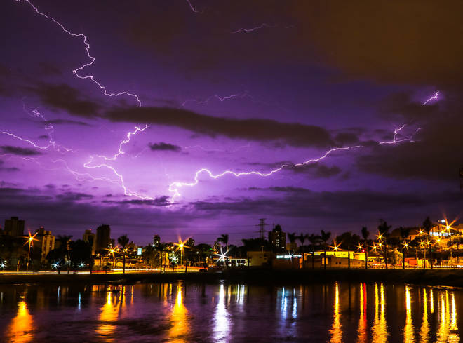 Thunder and lightening can be expected across the UK