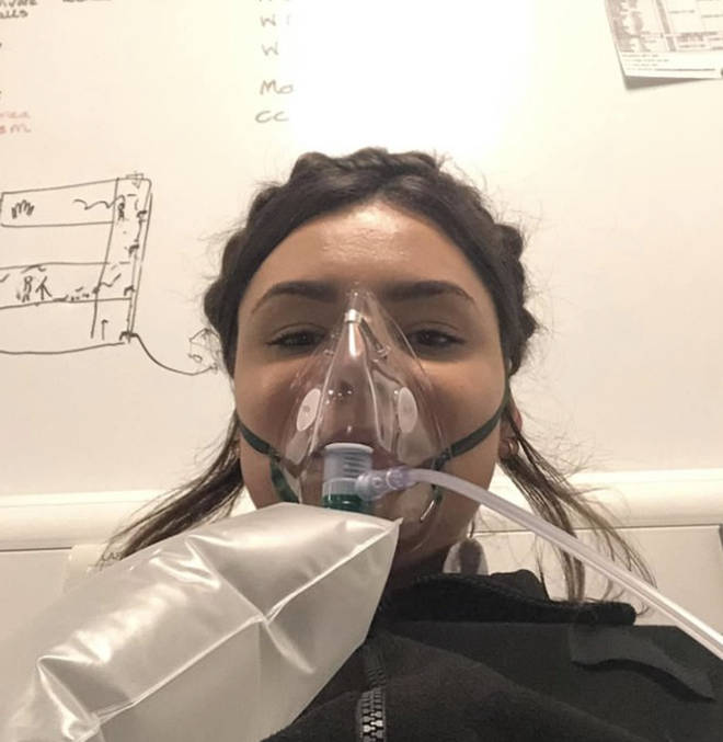 Farrah had to be put on oxygen therapy
