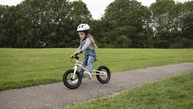 How to teach a child to ride a bike in just six steps