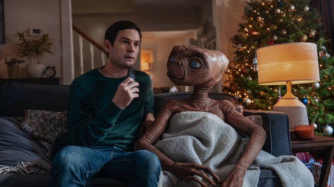 Elliot introduces E.T. to The Holiday
